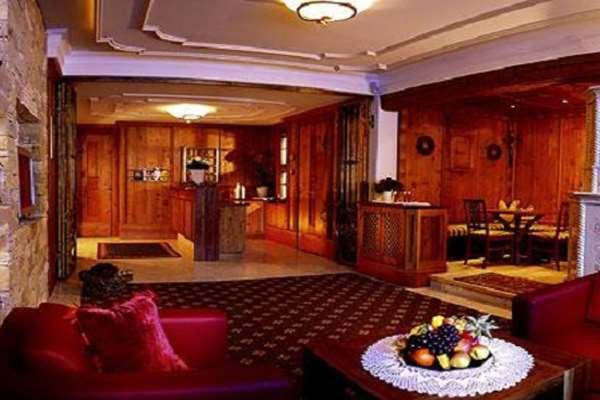 Ski holidays at hotel montanara ischgl austria for Ischgl boutique hotel