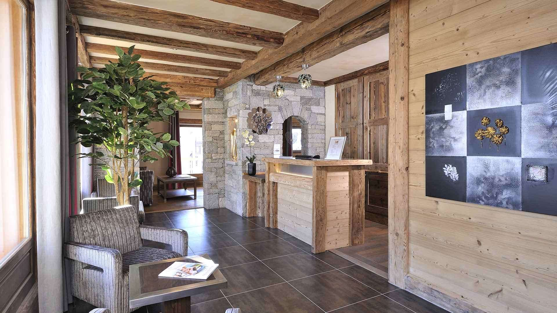 Ski Holidays at Le Jhana Apartments, Tignes Val Claret ...