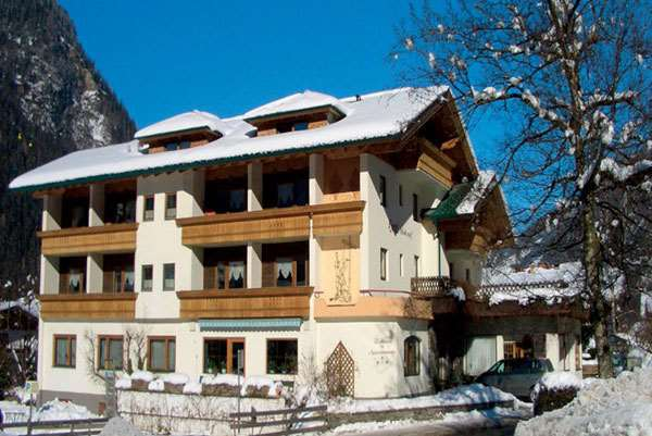 Harfenwirt Guesthouses