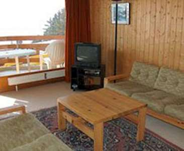 1 bedroom apartment for 4 people ski holidays