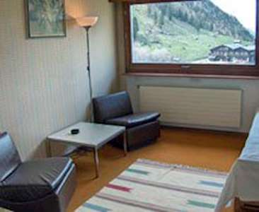 Skiing in 1 bedroom apartment for 2 people