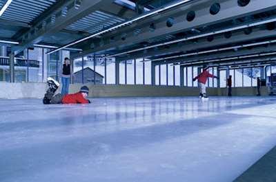 Hotel\'s skating rink