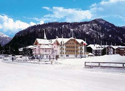 Skiing in Hotel Gran Soreghes
