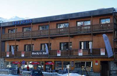 Skiing in Chalethotel Les Avals