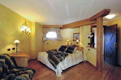 Skiing in Hotel Compagnoni