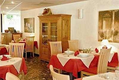 Hotel Amelie ski holidays