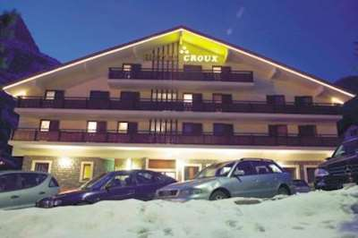 Skiing in Hotel Croux