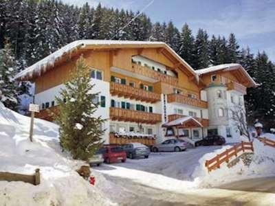 Hotel Pineta ski holidays