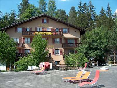 Backpacker Deluxe Hotel Capricorn Picture