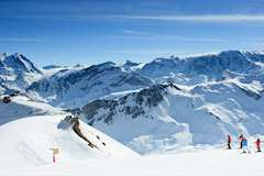 Skiing in Brides Les Bains