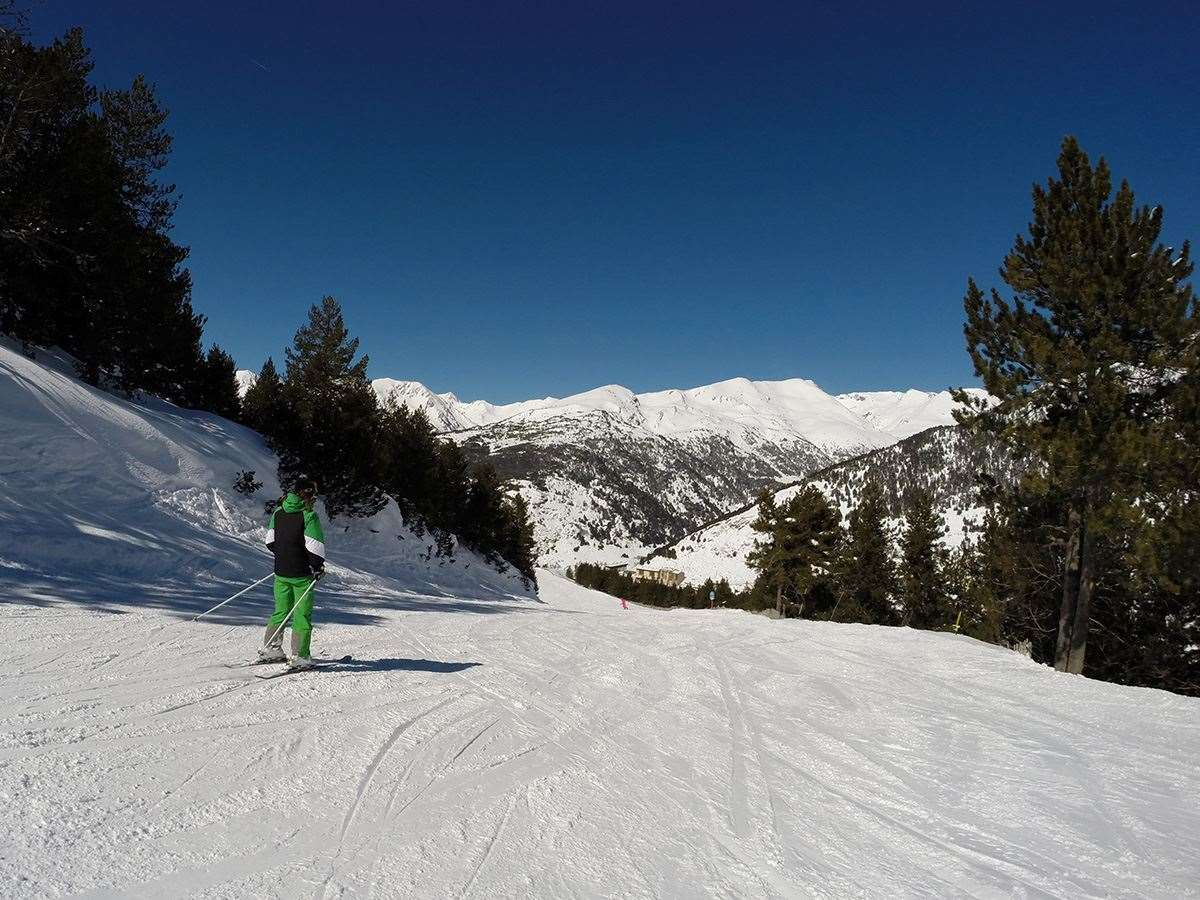 Skiing in Soldeu