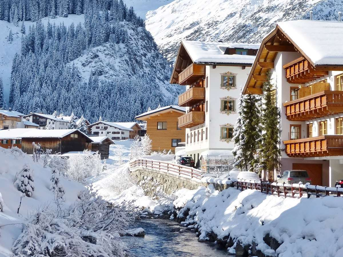 Ski holidays in Lech