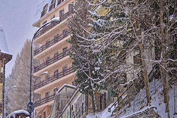 Hotel La Terrazza, Sauze d\'Oulx, Italy   Iglu Ski