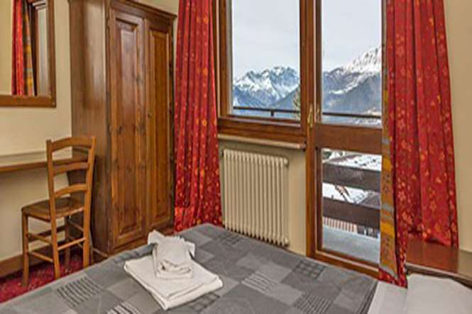 Hotel La Terrazza, Sauze d\'Oulx, Italy | Iglu Ski
