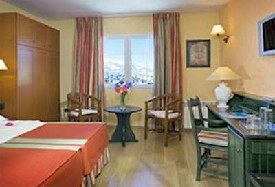 Skiing in Hotel Melia Sierra Nevada