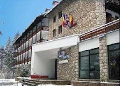 Skiing in Hotel Poiana