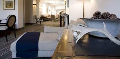Hotel Morosani Schweizerhof  ski holidays