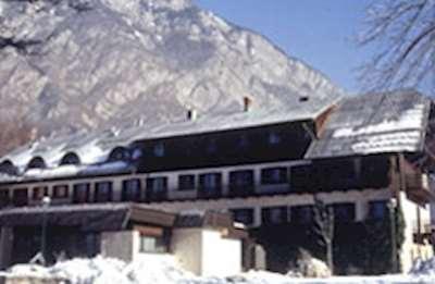 Skiing in Zlatorog Villa