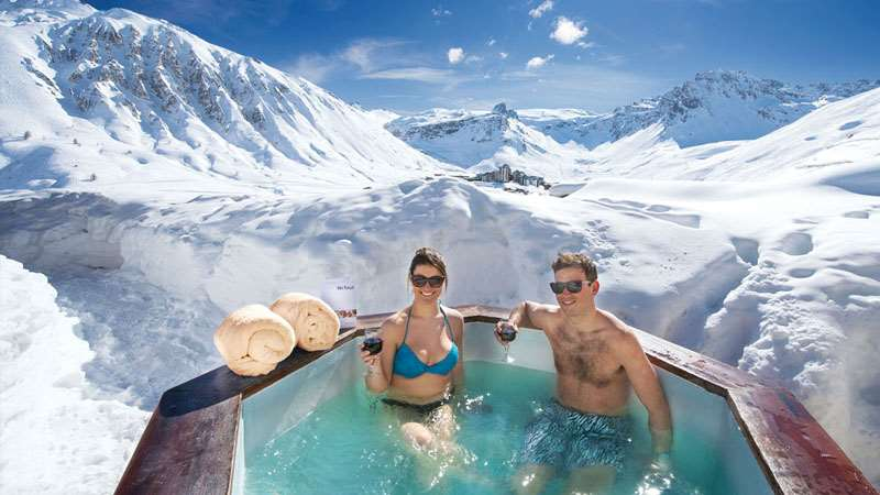 Ski chalets with hot tubs