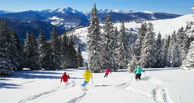 Skiing in Vail Resorts